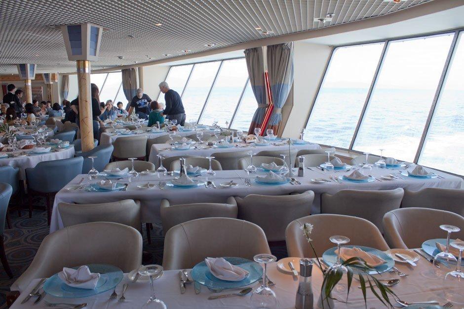 On en parle ,News, Faits divers, Breves, Interludes.... de la mer et de la croisiere - Page 14 Celestyal_Nefeli_Restaurante_2
