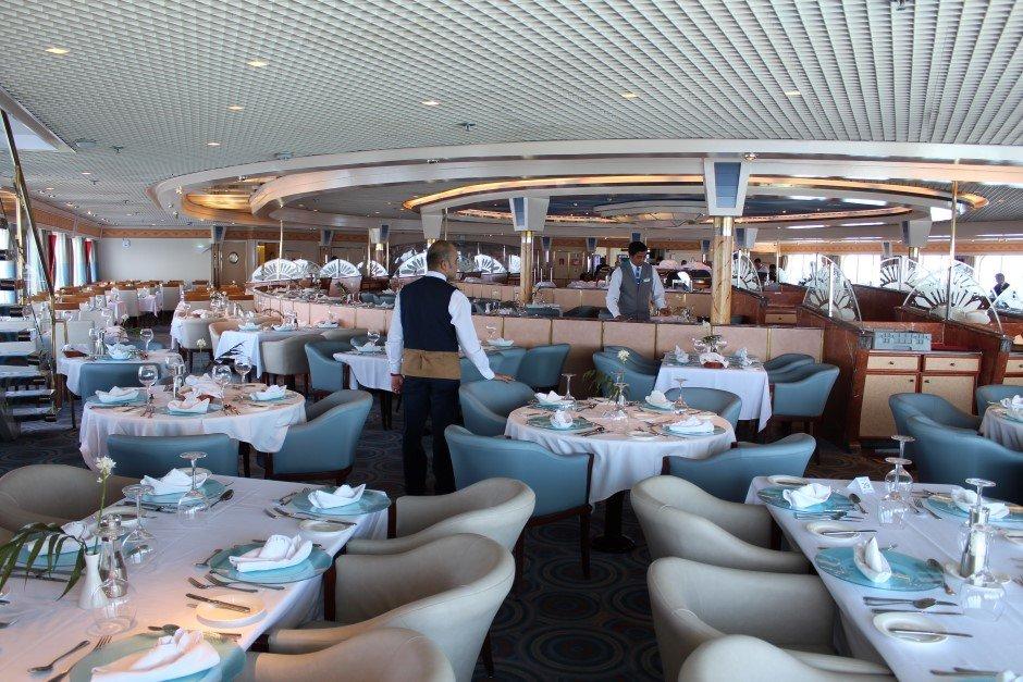 On en parle ,News, Faits divers, Breves, Interludes.... de la mer et de la croisiere - Page 14 Celestyal_Nefeli_Restaurante_3