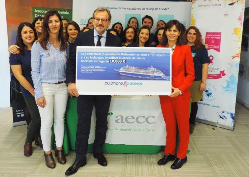 Pullmantur cruceros entrega euros a la asociaci n for Oficinas pullmantur