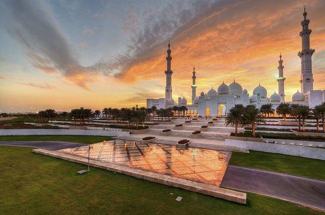 Mezquita_Sheikh_Zayed