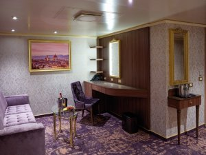 Costa Firenze salon suite