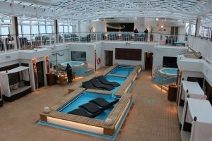 Norwegian-Breakaway-The-Haven-Piscina