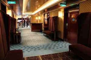 Norwegian-Breakaway-The-Manhattan-Room-Entry