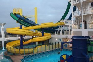 Norwegian Escape Family slide tobogan