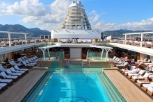 Seven Seas Explorer Piscina 1
