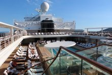 Seven Seas Explorer Piscina 2