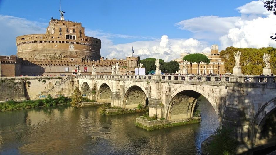 Italia impone una cuarentena de 5 días a viajeros de países de la UE
