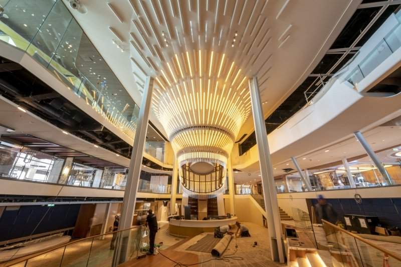 "Celebrity Cruises desvela ""The Grand Plaza"", el impresionante epicentro del Celebrity Edge"