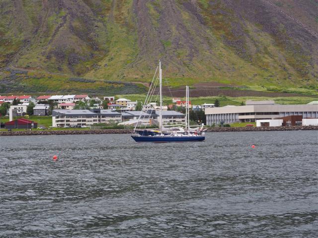 25-6-18Isafjordpuertopesquero.JPG