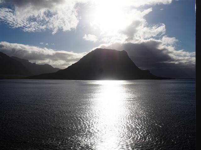 26-6-18grunfarfjordsalidakirkfjufell.JPG