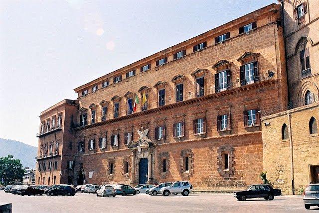 1280px-Palermo-Castle-bjs-1.jpg