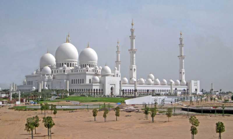 gran-mezquita-blanca-de-abu-dhabi.jpg
