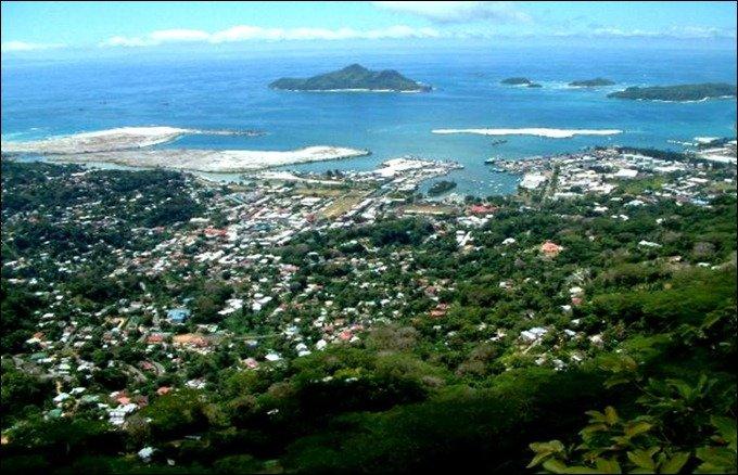 SeychellesVictoria_thumb.jpg