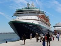 Monarch Pullmantur buque